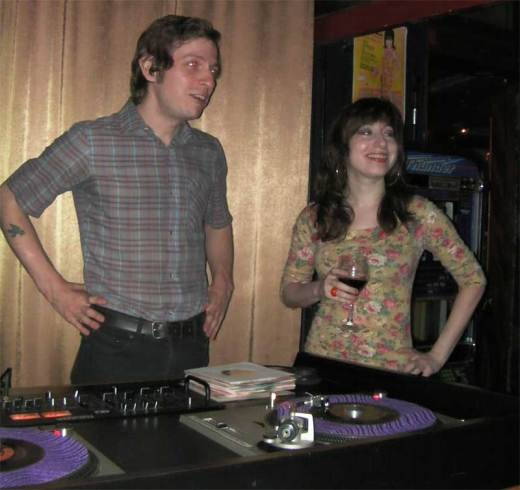 Guest DJ Avi Spivak consults with fellow DJ Leah Lugosi at the DYNAGROOVE!