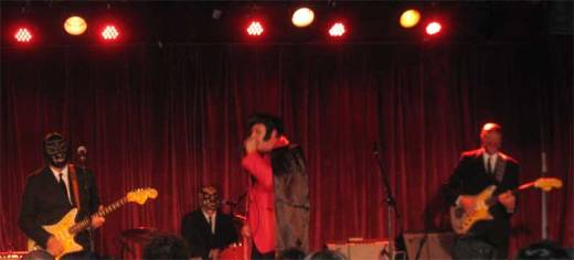 Deke Dickerson swings with Los Straitjackets at The Bell House on Halloween.