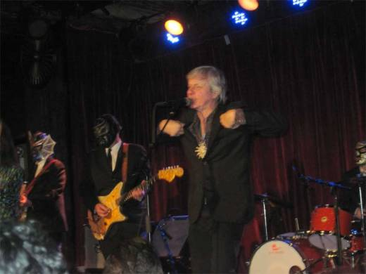 Peter Zaremba swings with Los Straitjackets at The Bell House!!!