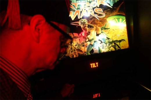 Phast Phreddie the Boogaloo Omnibus adeptly plays the new pinball machine at the Bootleg Bar!